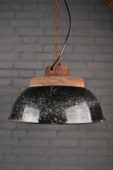 emaille fabriekslamp lampen oude spulletjes. Black Bedroom Furniture Sets. Home Design Ideas